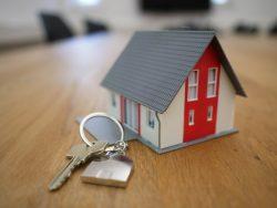 Sprawa frankowa a sprzedaż mieszkania z kredytem we frankach